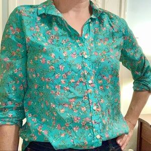 ANTHRO HOLDING HORSES green floral button down
